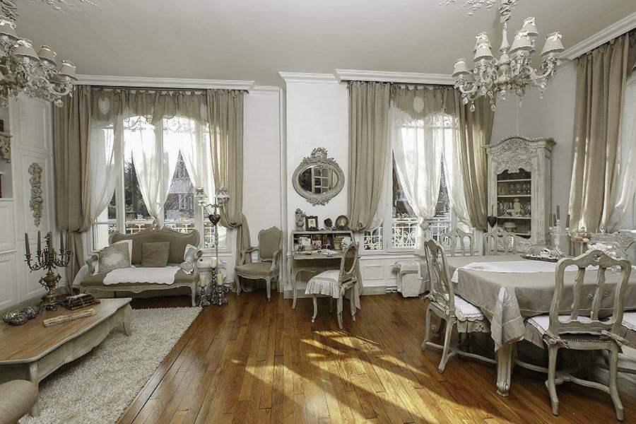 Salon Salle à manger  Maison Esprit Boudoir  Location pour tournages, shoot